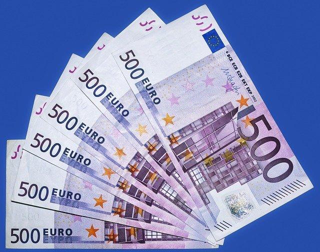 barevné peníze
