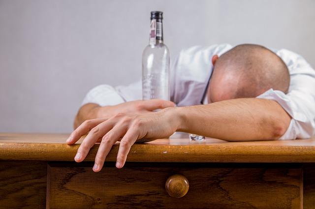 spící alkoholik