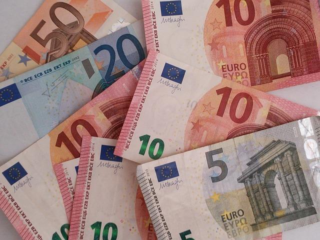 euro bankovky, detail